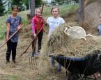Za plotom - farmársky tábor